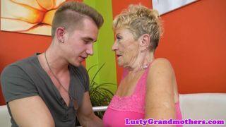 Erotischer mütter hämmerte wild