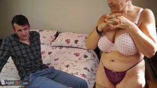 ramon nomar bekommt harten sex von behaarten
