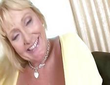 Blonde Krankenschwester Briana Blair