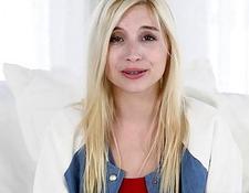Erotische Blondine Anna Nikova