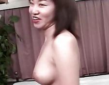 erotische chinesische frau fickt in bett