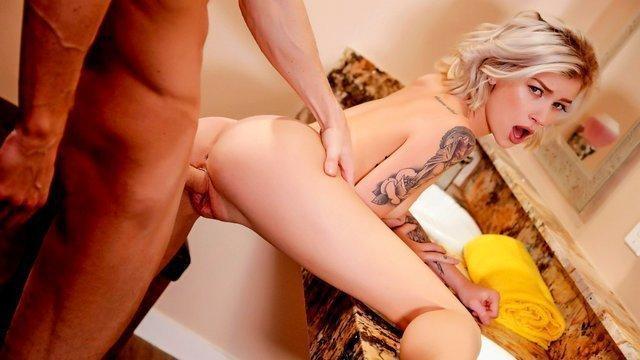 erotische blonde fick tätigkeit