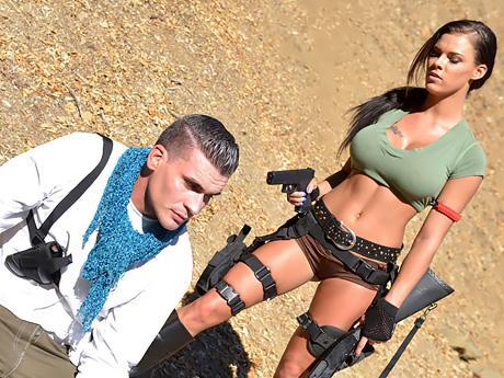 Military babes erhalten es 1. den Geschmack von Interracial hardcore