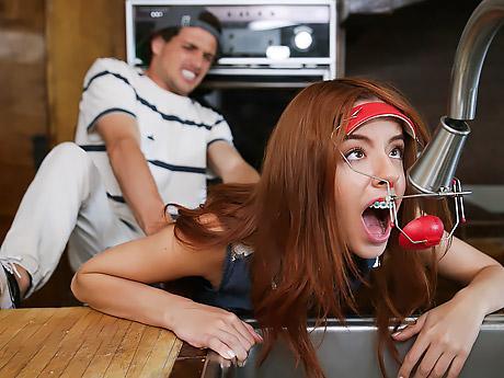Schlampe Hahn saugen Sperma trinken